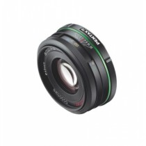 smc_PENTAX_DA_70mm_f2.4_Limited_Edition_3_4front__Small_